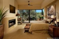 Bej Rengi Halı ve Kahverengi Yatak Odası Kombini