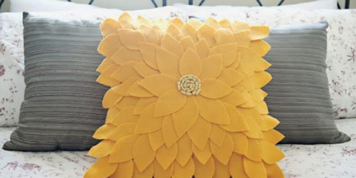 Dekoratif Sevimli Keçe Yastık Modelleri