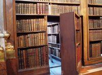Gizli Kitaplık Kapı Modelleri