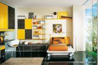 Sarı Turuncu Kombinlerle Kız Genç Odası
