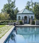 Banklı Yüzme Havuzu