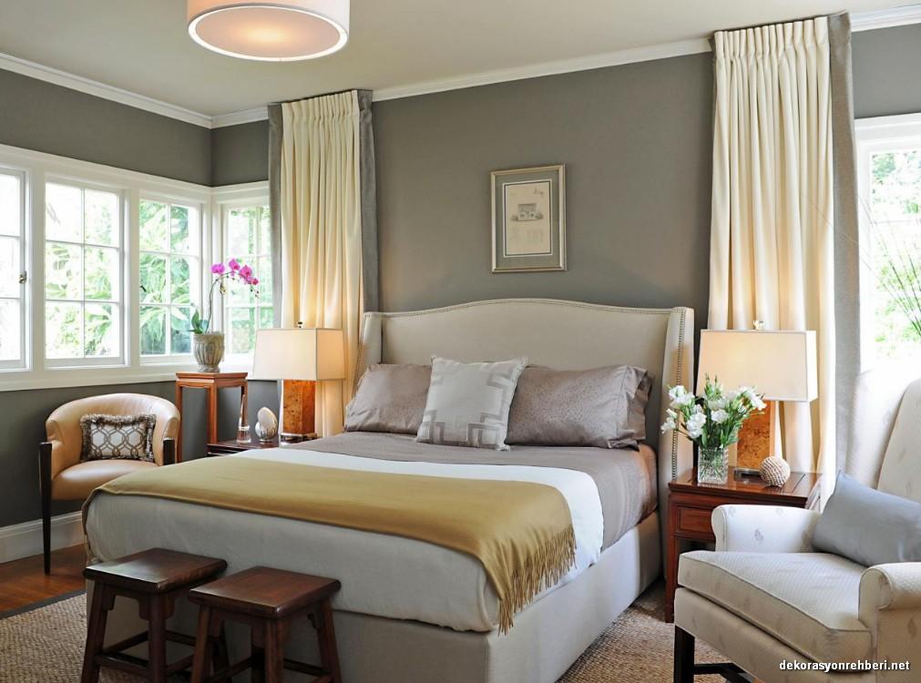 Gri Duvarlı Yatak Odaları