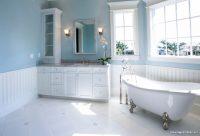 Soluk Mavi Beyaz Banyo Dekorasyonu
